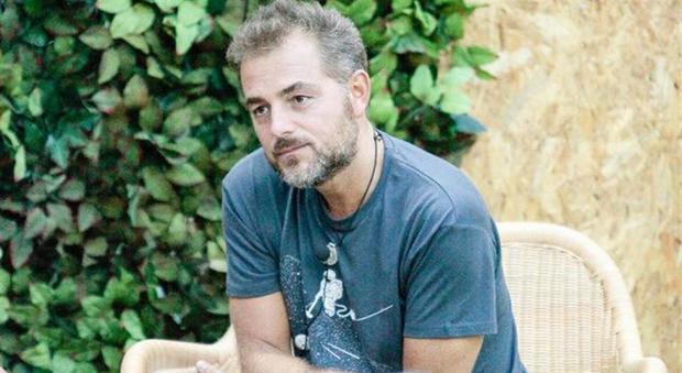 Grande Fratello Vip, Daniele Bossari rientra nella Casa e spiega tutto: Malgioglio scoppia a piangere