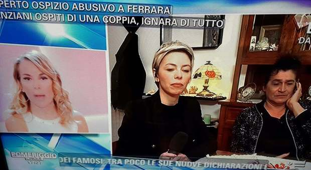 Ospizio abusivo a Ferrara, bagarre a Pomeriggio 5. Barbara D'Urso all'ospite: