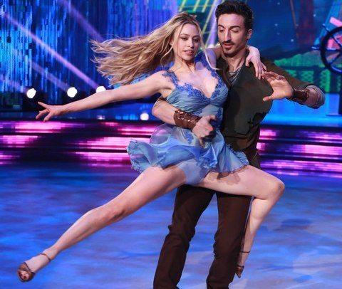 Ballando con le Stelle, le sexy esibizioni della quinta puntata: e Martina Stella...
