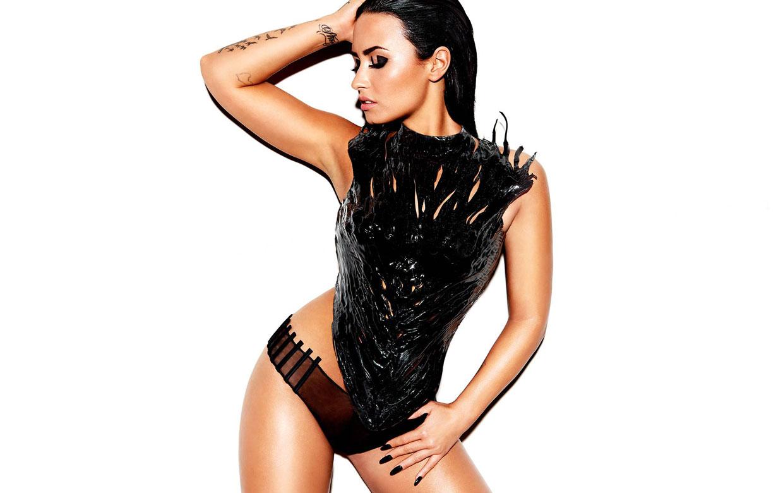 Demi Lovato festeggia sui social cinque anni senza alcol