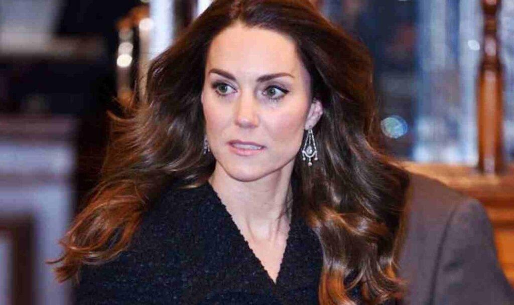 Kate Middleton incinta, la duchessa costretta ad una scelta difficile tra le paure della gravidanza