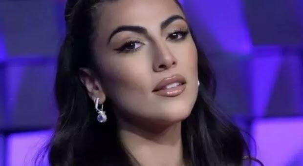 Giulia Salemi e Pierpaolo Pretelli, l'amore a Domenica Live: «La mia più grande alleata è Ariadna, una bella storia di girl power»