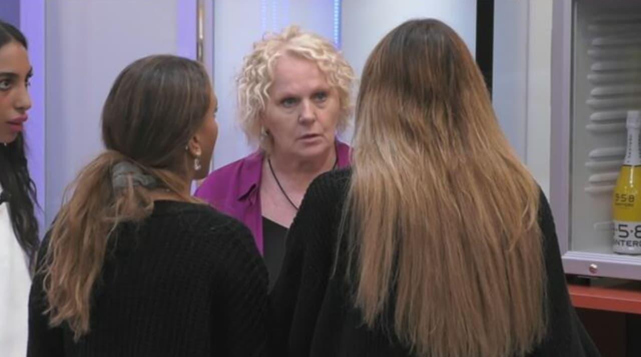 Gf Vip, tensione nella Casa. Il brutto insulto di Katia Ricciarelli a Jessica Selassie. Fan furiosi: «Fuori subito»