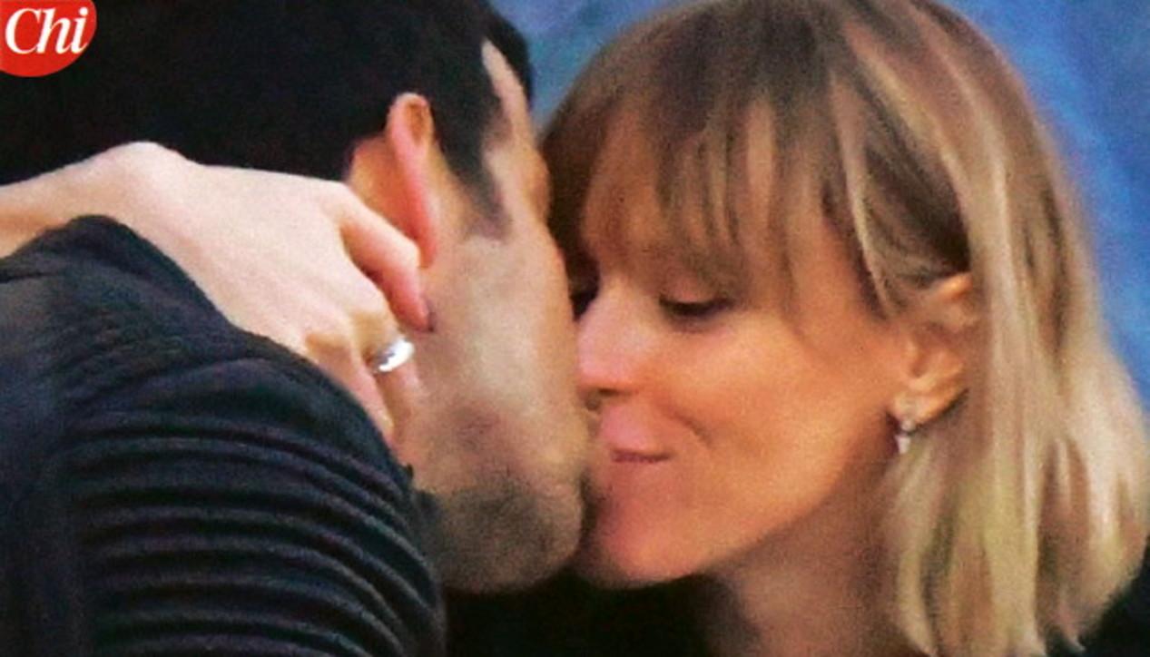 Federica Pellegrini innamorata a Venezia, che baci con Matteo Giunta