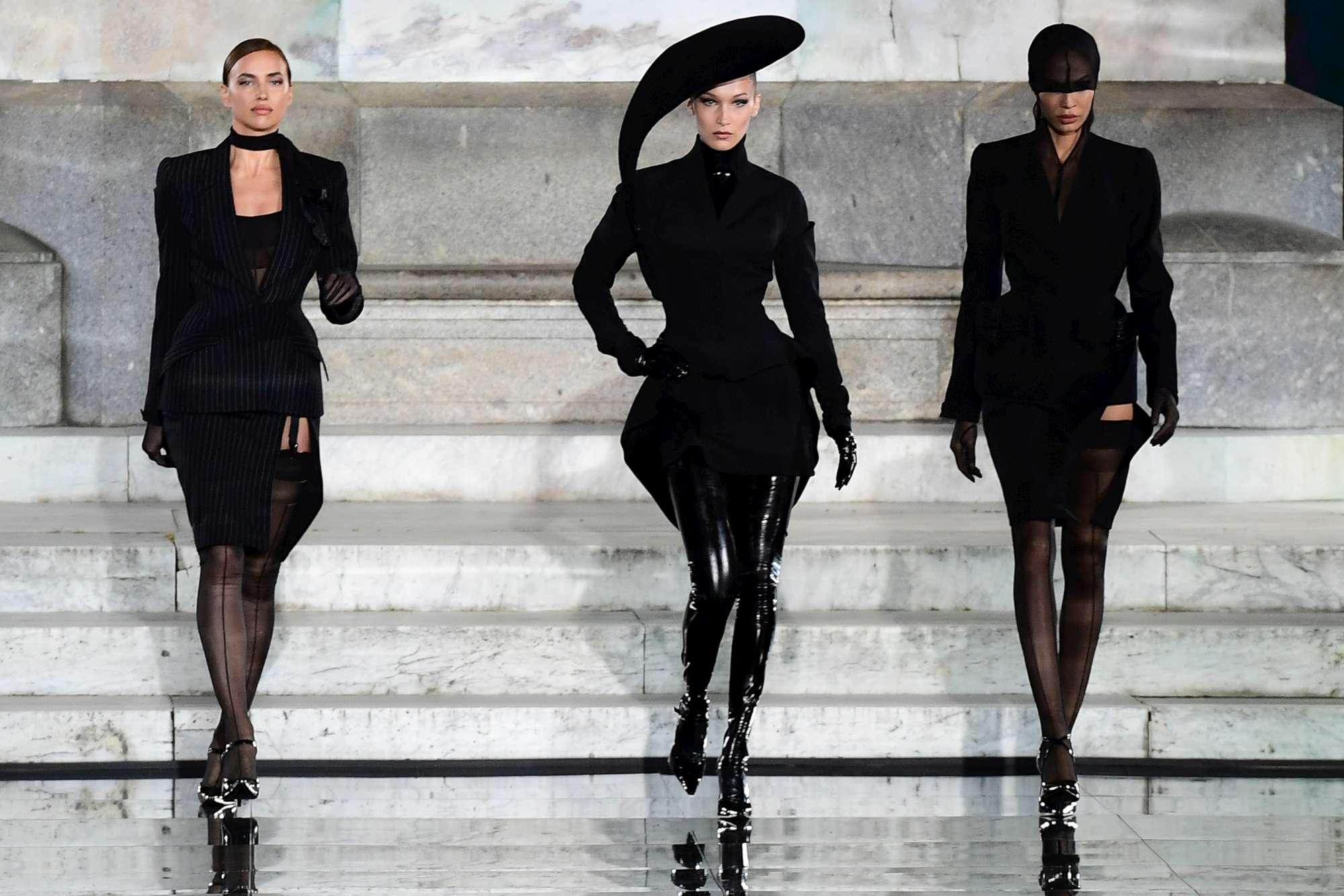 Irina Shayk sfila al Pitti per dimenticare Bradley Cooper