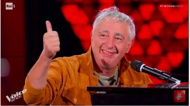 Erminio Sinni a The Voice Senior: il cantante romano
