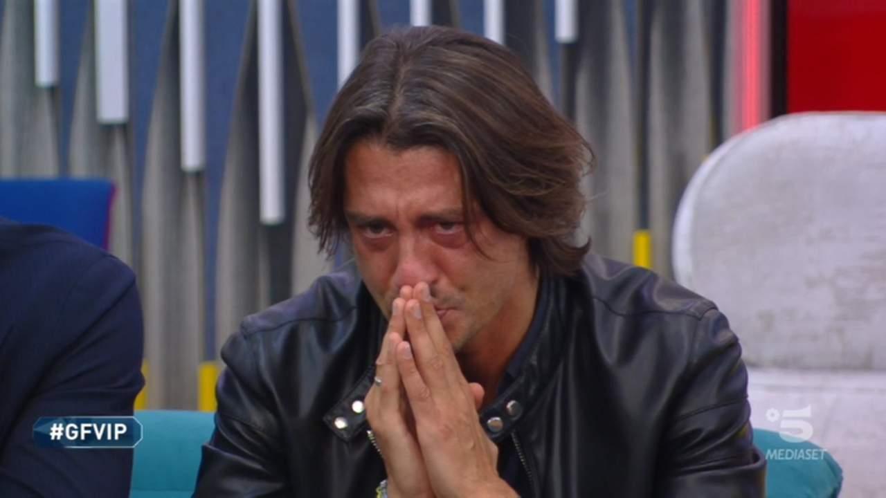 Francesco Oppini, lacrime al GFVip: «Qualsiasi scelta faccia, farò soffrire qualcuno». Tommaso Zorzi crolla