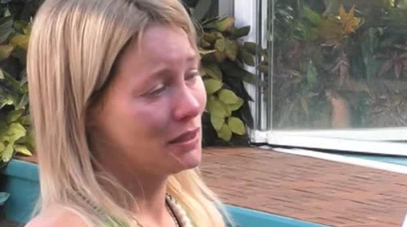 Grande Fratello vip, Flavia Vento in lacrime e nel panico abbandona la casa: «Mi mancano i cani»