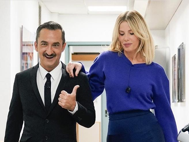 Covid, Alessia Marcuzzi salta le Iene: «Stasera non ci sarò, il test pungidito è positivo. Aspetto il tampone molecolare»