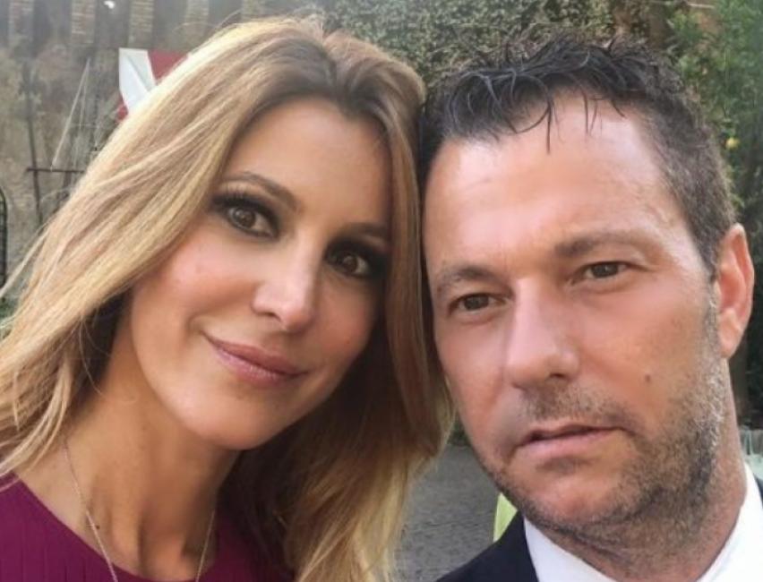 Adriana Volpe single? L'indiscrezione: «La conduttrice e il marito Roberto Parli si sono lasciati»