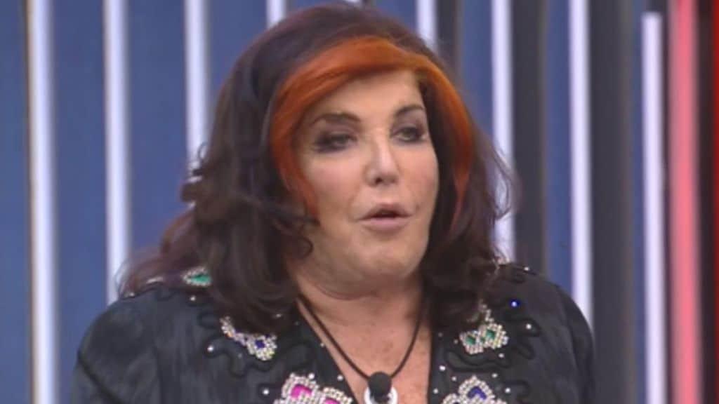 Patrizia De Blanck, frase choc al Gf Vip. I fan chiedono la squalifica: «L'ha istigato al suicidio. Fuori subito»