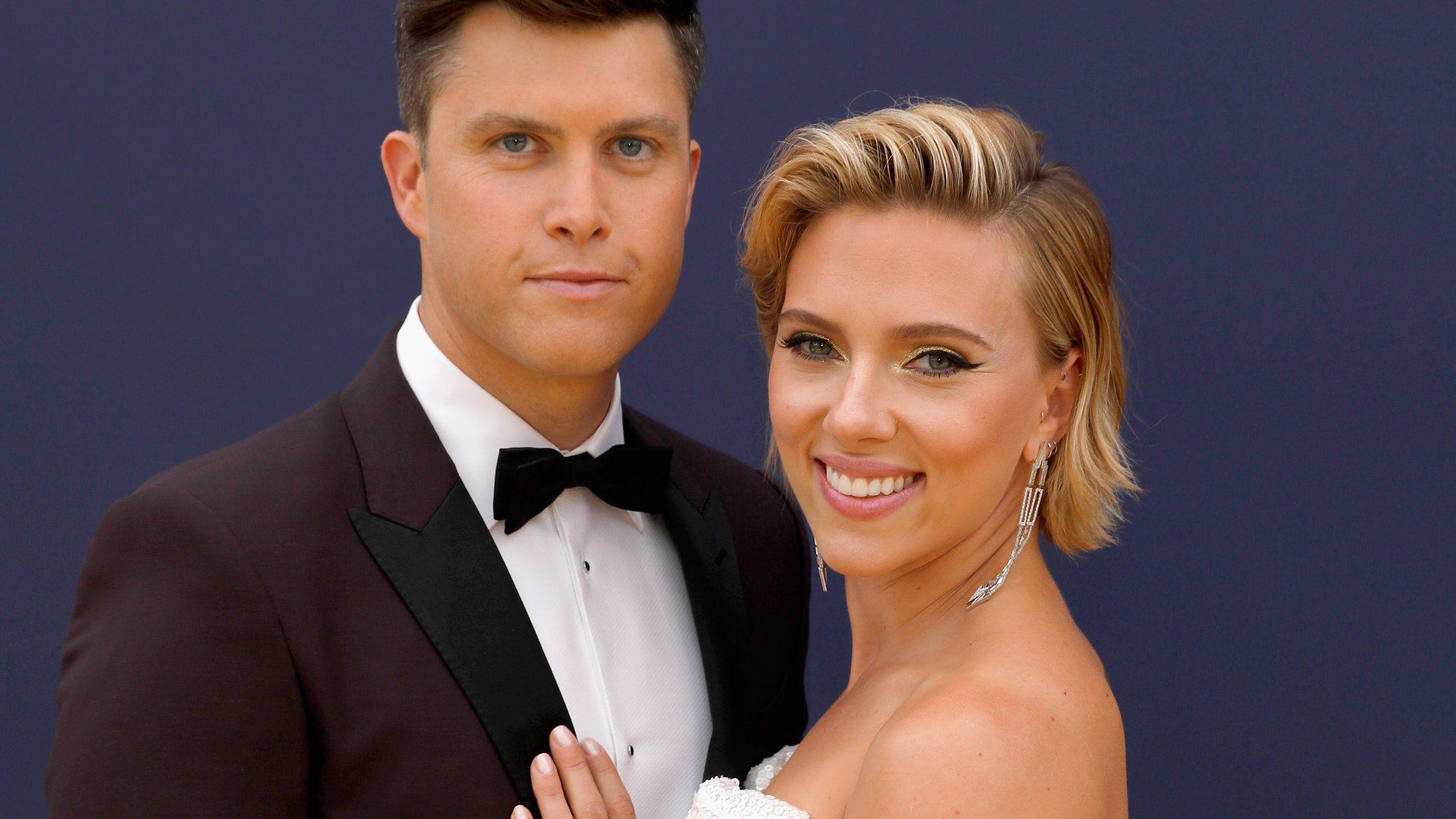 Scarlett Johansson si è sposata (per la terza volta): fiori d'arancio per l'attrice e il compagno Colin Jost