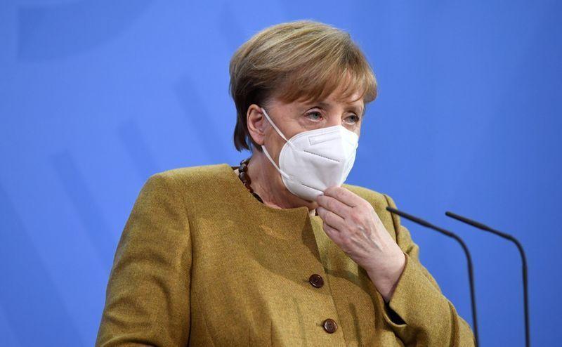Angela Merkel rifiuta il vaccino Astrazeneca: «Ho 66 anni, non è consigliato per questa fascia d'età»