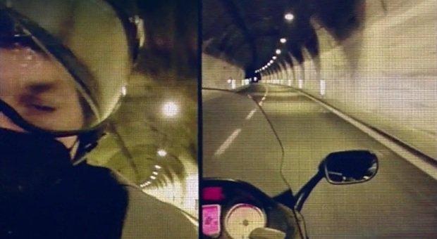 Sanremo 2021, chi è il motociclista che ha