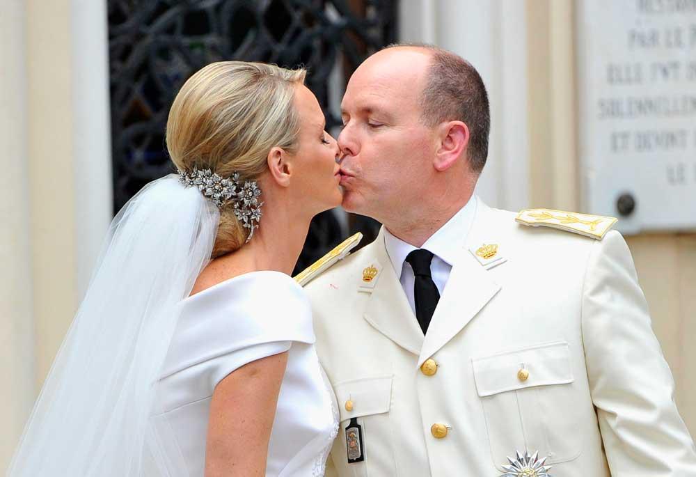 Charlene e Alberto di Monaco, la favola è finita: lei cerca casa in Sud Africa con i gemelli