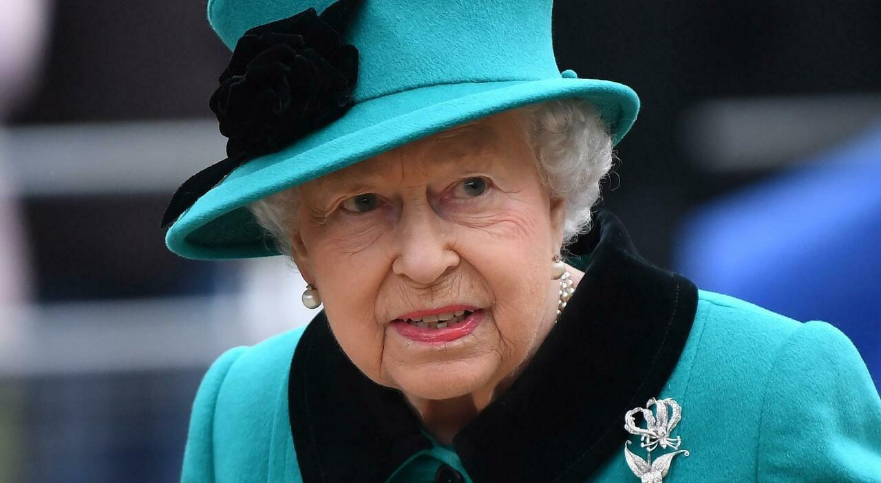 Come sta la Regina Elisabetta e perché «non riesce a smettere di lavorare». Cosa cambia negli eventi pubblici?