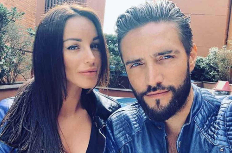 Gf Vip, Delia Duran difende il marito Alex Belli: «Il bacio a Soleil? Era un gioco, mi fido di lui»
