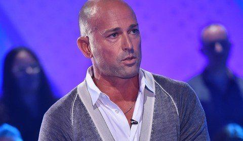 """Bettarini da Costanzo: """"Per il GF vip ho preso ?100mila euro"""". Poi litiga con Luxuria"""
