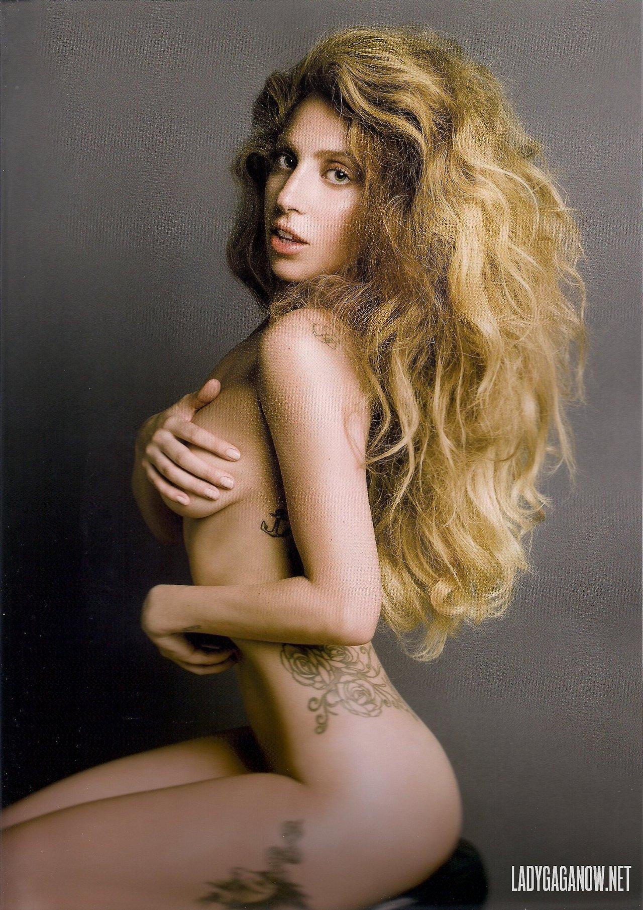 """Lady Gaga choc: """"Violentata a 19 anni, da allora soffro di un disturbo mentale"""""""