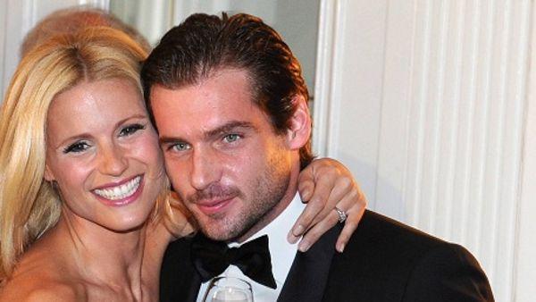 Tomaso Trussardi non bada a spese: supercar e mega villa per Michelle Hunziker