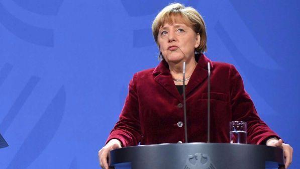 Germania, Angela Merkel si ricandida per un quarto mandato nelle prossime elezioni del 2017