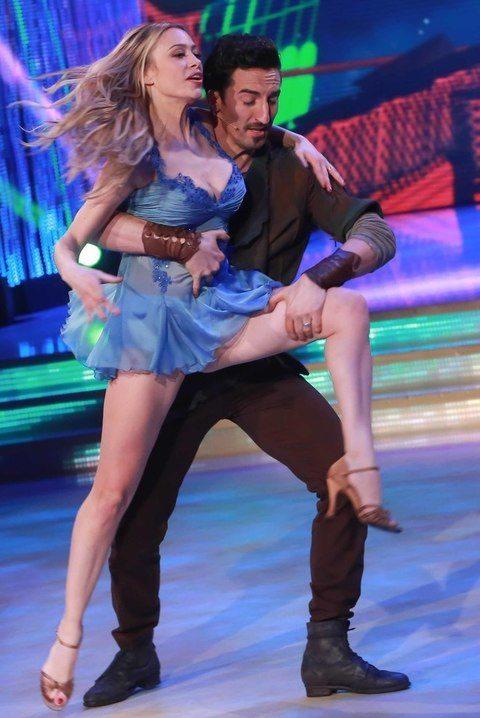 Ballando con le Stelle, le se. xy esibizioni della quinta puntata: e Martina Stella...