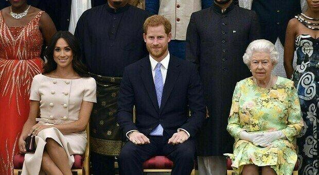 Meghan Markle, l'ultimo colpo basso di Harry alla Corona: «Poteva evitarlo per la Regina Elisabetta»