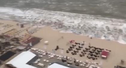 Tsunami colpisce un resort in Olanda