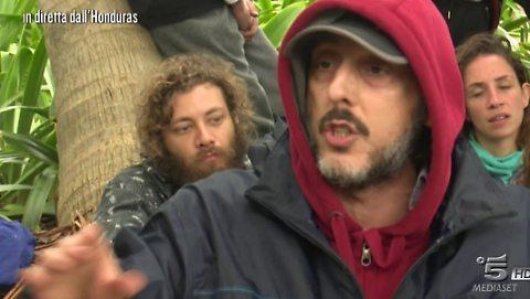 """""""Isola dei Famosi"""", Massimo Ceccherini scatenato: minaccia di ritirarsi"""