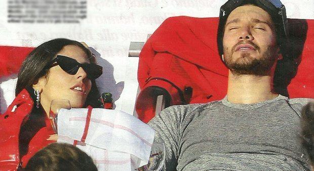 "Stefano De Martino e Gilda Ambrosio, fuga romantica sulle nevi: ""Lei ha conosciuto Santiago"""