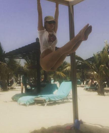 Michelle Hunziker, vai di addominali a Dubai