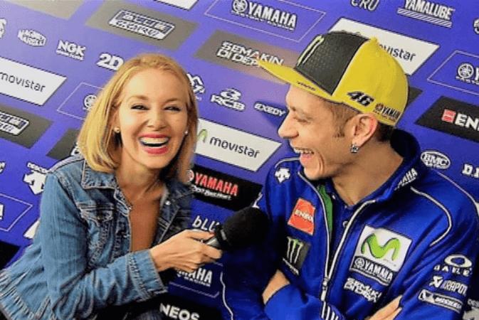 """Vale, ho una richiesta per te"": la proposta indecente a Valentino Rossi in diretta"