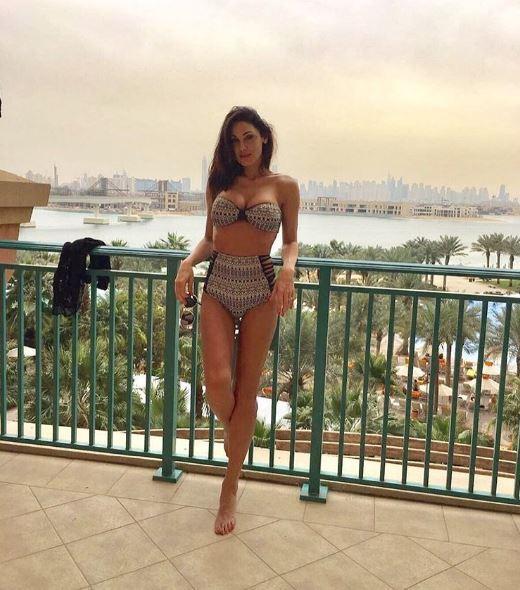 Anna Tatangelo, bik. ini esp. losi. vo a Dubai