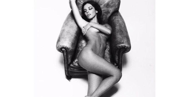 Alessia Reato, il nu. do se. xy in bianco e nero manda in tilt il web