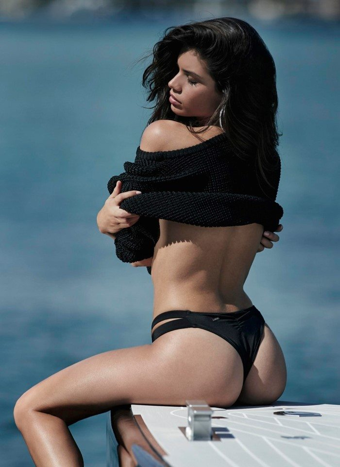 Sara Sampaio, shooting troppo se. xy per Victoria's Secret