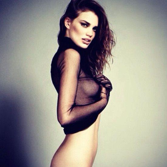 Rianne, la modella che adora i ricci impazza sul web