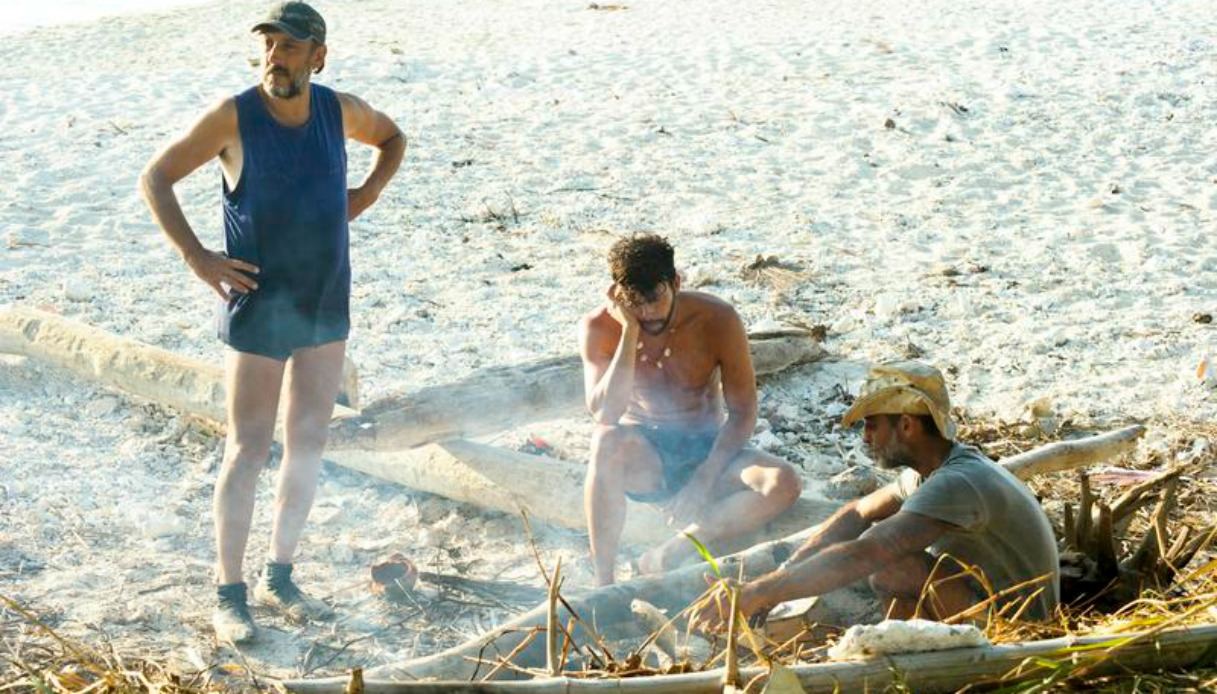 """Isola, Samantha De Grenet contro Ceccherini """"Hai stufato!"""". Cambia il giorno della diretta"""