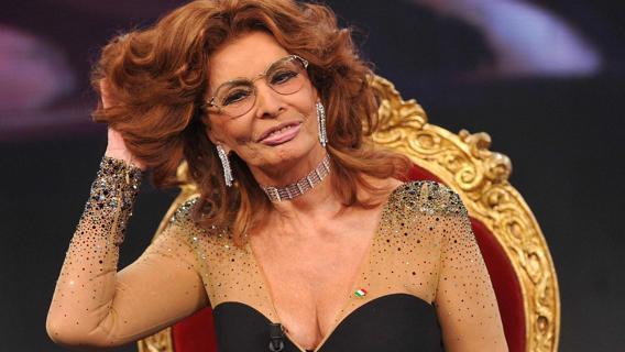 Sophia Loren, l'eleganza dello stesso vestito
