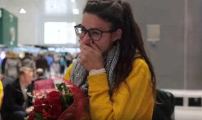 S.Valentino: il regalo speciale di Samuele a Valeria, proposta di nozze a Malpensa