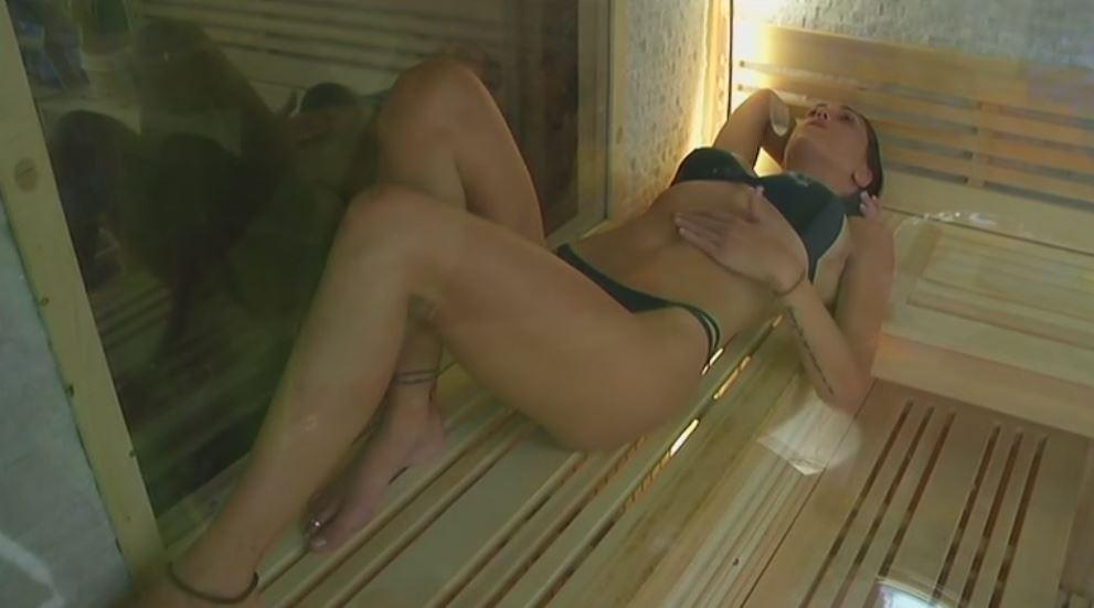 """""""Grande Fratello Vip"""", dopo la sauna hot di Cecilia arriva Belen"""