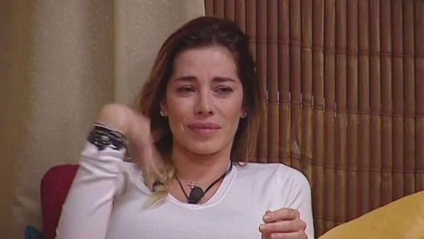Grande Fratello Vip, Aida in lacrime:
