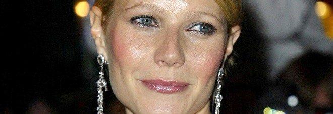 """Gwyneth Paltrow, dopo la guida al """"amore""""l'ultima follia per curare la depressione"""