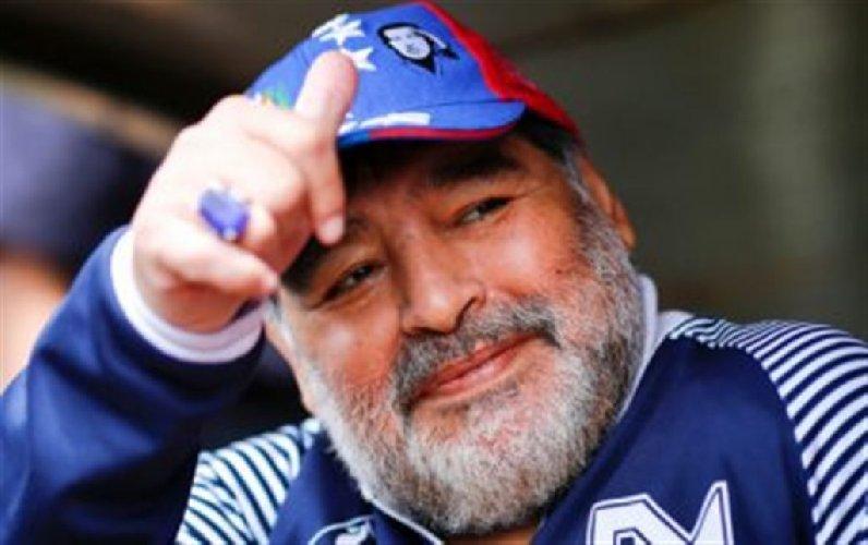Morto Diego Armando Maradona, aveva 60 anni: addio al Pibe de Oro. «Arresto cardiorespiratorio in casa»