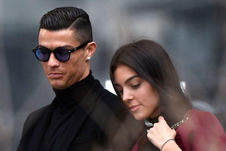 Cristiano Ronaldo geloso di Georgina mostra i muscoli