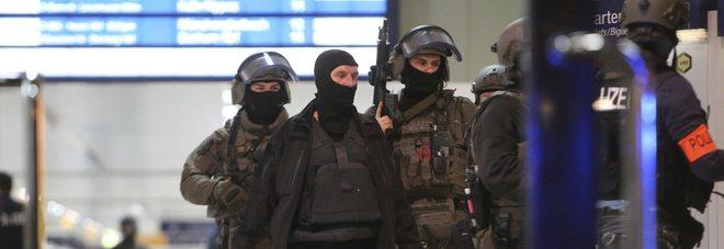 Dusseldorf, due turiste italiane ferite nell'attacco con l'ascia alla stazione