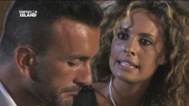 Temptation Island, Nicola e Sara: la coppia scoppia, ma un mese dopo...