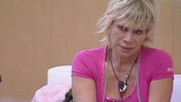 """Grande Fratello Vip"", incidente in cucina per Carmen Russo"